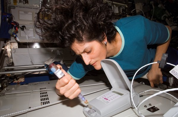 suni_williams_aboard_the_iss